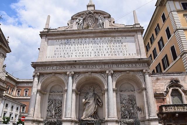 Fontanna dell'Acqua Felice przy Piazza di San Bernardo, Rzym, Włochy