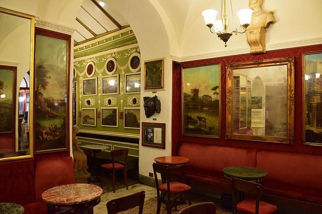 """Kawiarnia """"Caffe Greco"""", Via Condotti 86, Rzym, Włochy"""