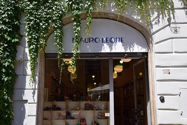 Mauro Leone, Rzym, Włochy