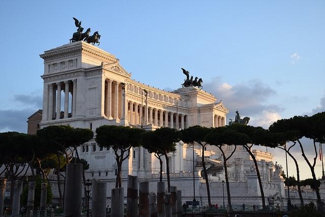 Ołtarz Ojczyzny (Pomnik Wiktora Emanuela II, Vittoriano, Altare della Patria), Piazza Venezia, Rzym, Włochy