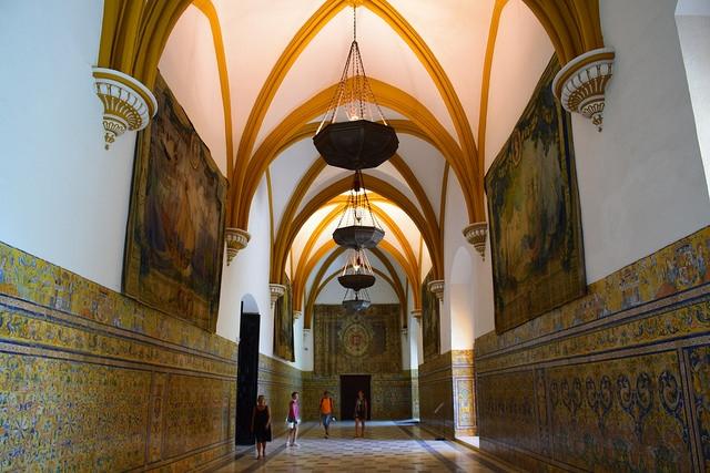 Salones de Carlos V w Real Alcázar Sewilla Hiszpania